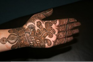Beautiful Mehndi Design For Girls