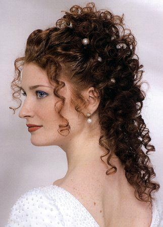Curly-Bridal-Hair-Styles3
