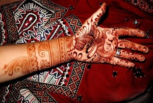 New-Arabic-Mehndi-Designs-2011-For-Hands