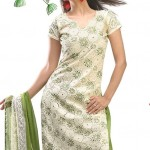 Pakistani-Shalwar-Kameez-Designs-For-Desi-Girls
