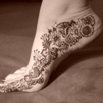 Simple mehndi for foot