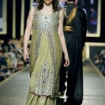 Bridal Mehndi dress by Deepak Perwani