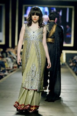 Bridal collection by Deepak Parwani11-Latestasianfashions.com
