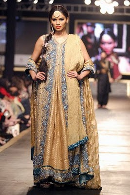 Bridal collection by Deepak Parwani18-Latestasianfashions.com
