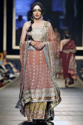 Bridal collection by Deepak Parwani8-Latestasianfashions.com