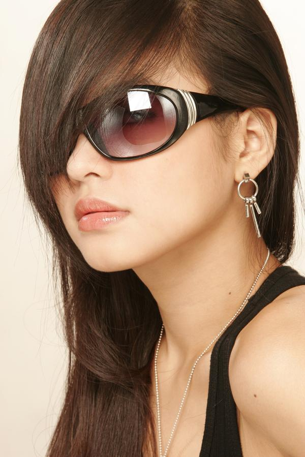 Sunglasses 2012 trends for girls