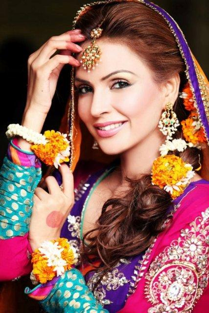 New Mehndi Makeup : Bridal mehndi makeup trends