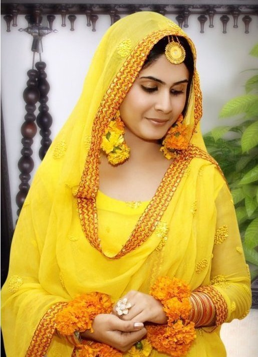 Mehndi Makeup : Bridal mehndi makeup trends