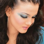 Soft party makeover trends - Blue Eye makeup