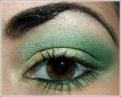 Emerald green makeup trends 2013