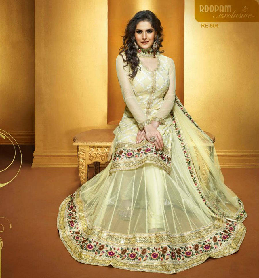 Perfect Zarine Khan Dresses 900 x 966 · 126 kB · jpeg