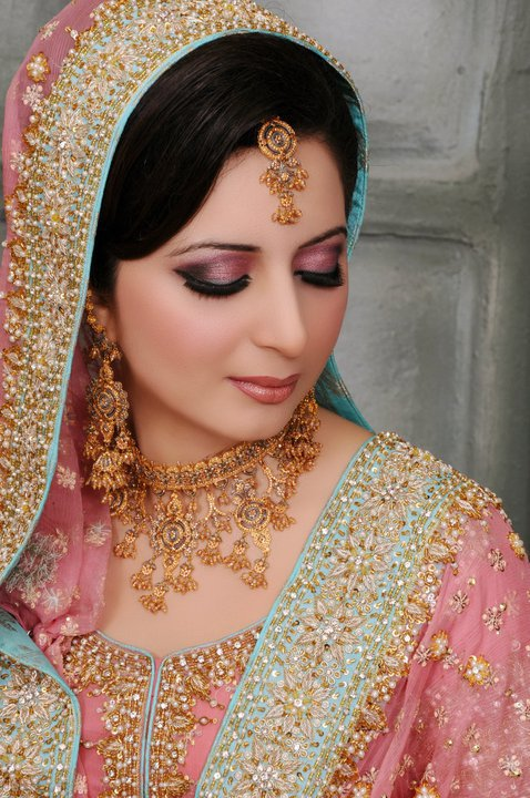 Info Makeup Wedding Female Daily : Bridal walima makeup Pakistani bridal makeover