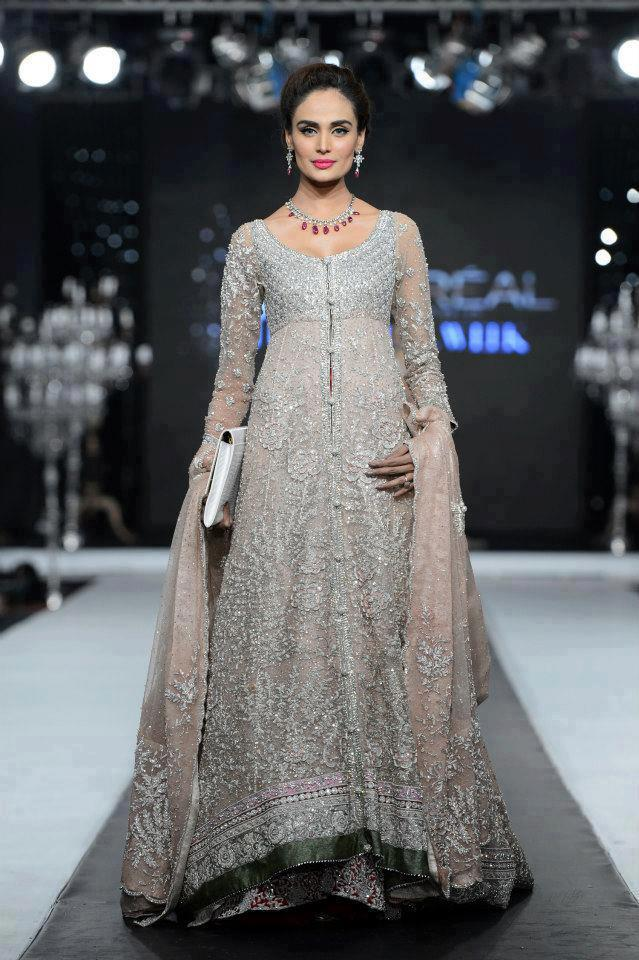 Pakistani bridal gowns collection 2013 new bridal gown Pakistani fashion designers
