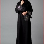 Abayas in black color