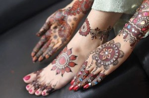 Bridal mehndi fashion