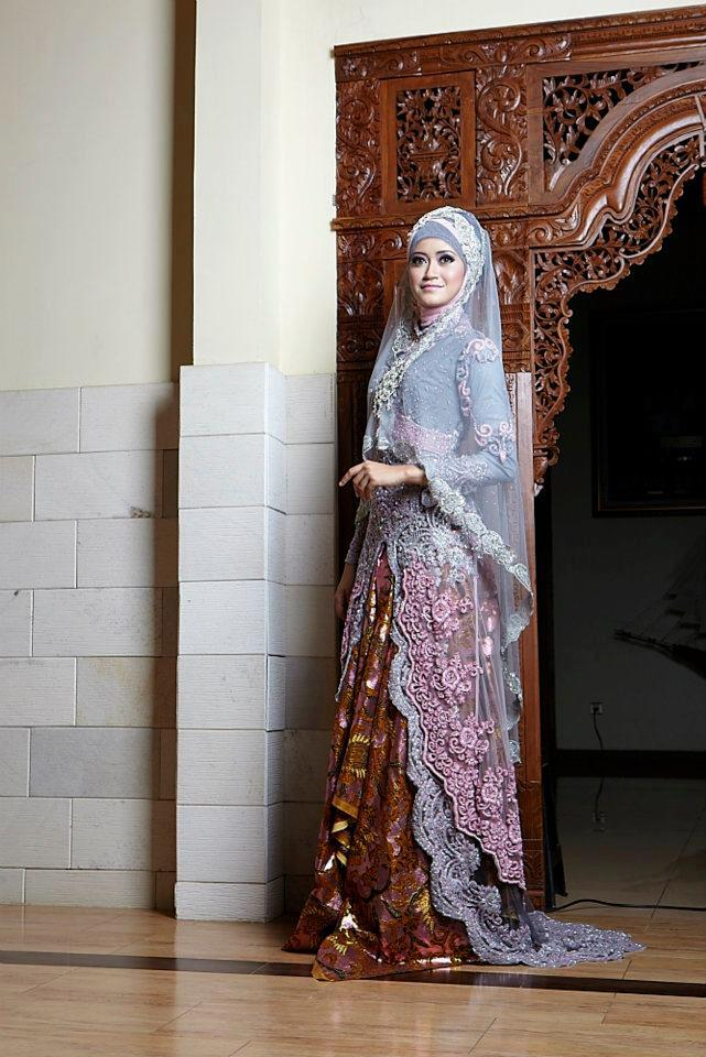 Muslim bridal dresses 2013 modest muslim wedding dresses for Wedding dress arabic style
