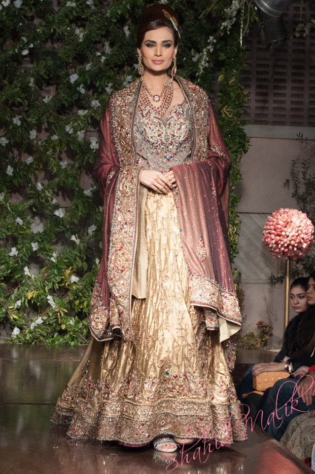 Pakistani bridal dresses 2014 for walima in red and white for Pakistani designer dresses for weddings