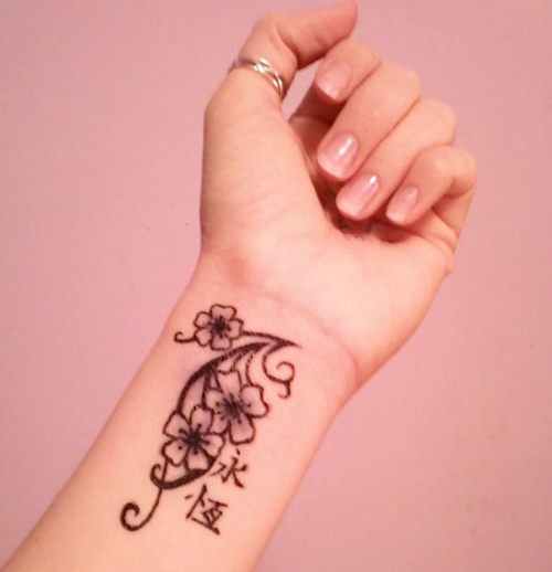 Henna Flower Tattoo Designs Wrist: Temporary Tattoo Patterns