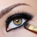 How to apply eye liner according to your eye shape