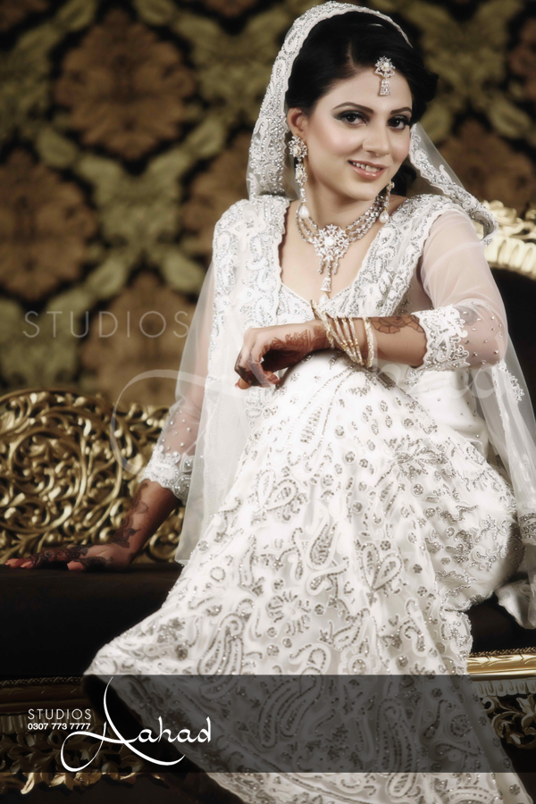 Pakistani bridal dresses online usa wedding dresses in for Usa wedding dresses online