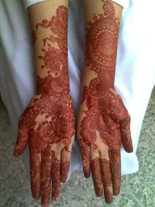 Stylish bridal henna designs for weddings