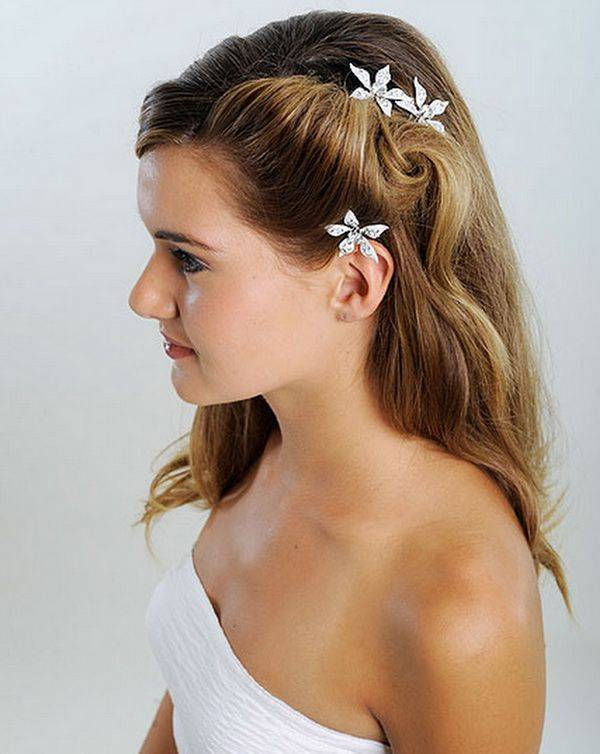 Simple medium length flowery twisted hairstyle