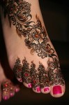 beautiful mehndi for feet