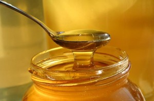 Honey for growing thicker eyebrows