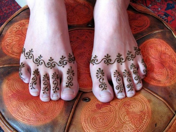 Mehndi Designs For Feet Simple : Simple arabic mehndi designs for hands feet