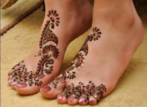 glitter mehndi designs for feet