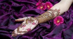 new giltter mehndi designs for hands