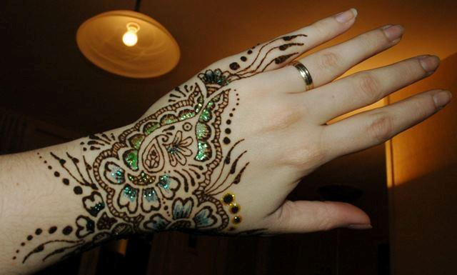 Mehndi Hands Dps : Simple arabic mehndi designs for hands feet