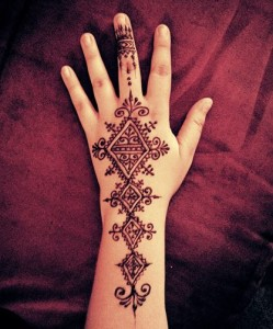 Beautiful pakistani mehndi designs for hands