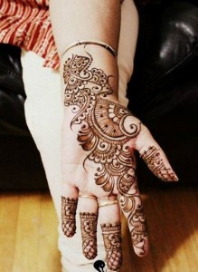 Best mehndi designs for Eid 2014