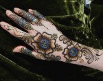 Best glitter henna designs for Eid