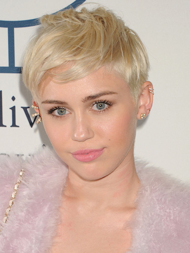 miley cyrus famous pixie hairstyle 2014
