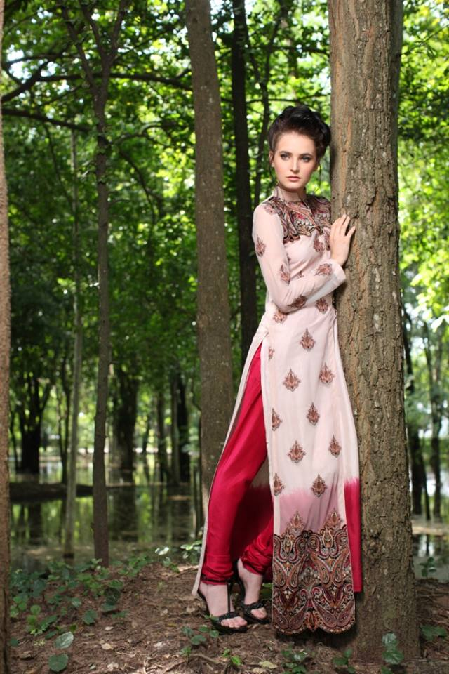 beautiful dresses by threads and motifs