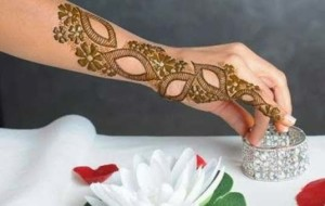 Simple Henna patterns for arms