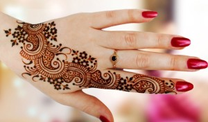 Free Mehndi for hands