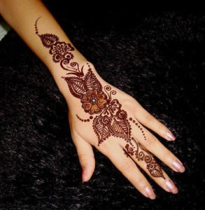 Butterfly floral mehndi patterns