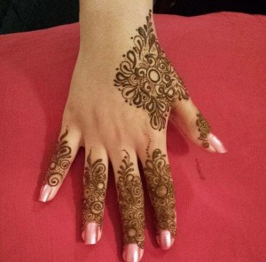 Basic Mehndi Designs for beginners