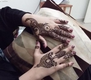 Easy Mehndi Designs for back hands