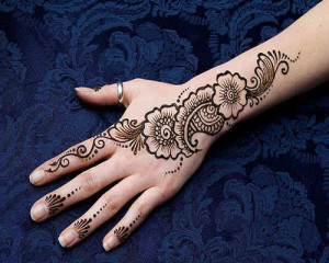 Best Mehndi Deisgns for Hands and Arms