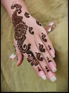 Cone Mehndi Designs for Girls